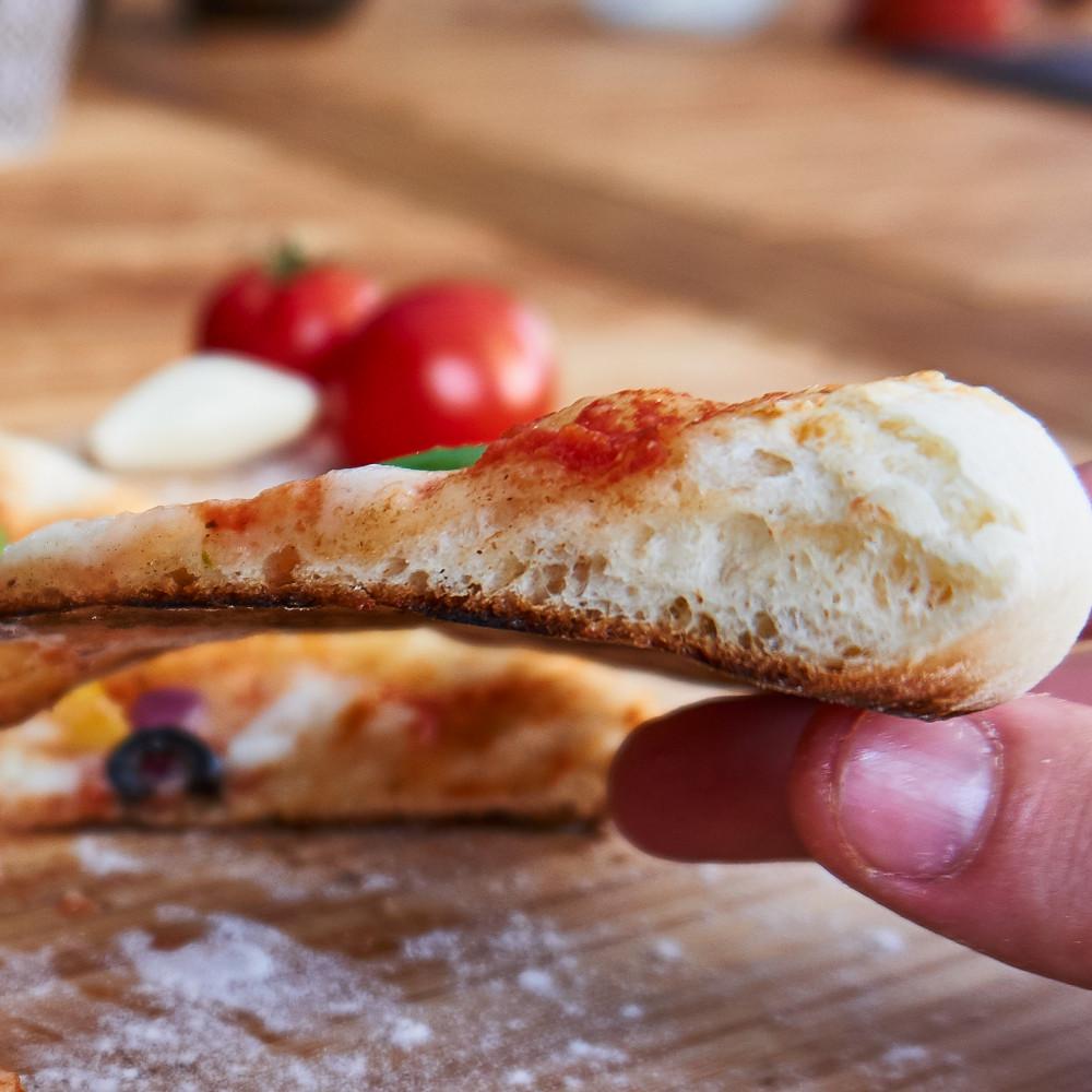 Rand der Pizza