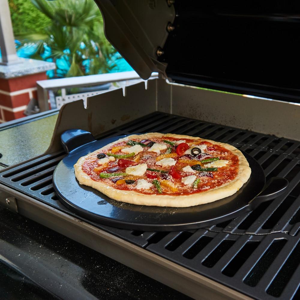 Pizzastein / Brotbackstein auf dem Grill