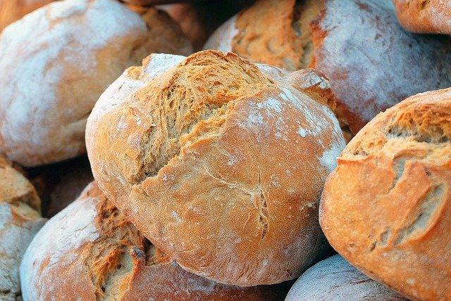 Brotbackstein reinigen