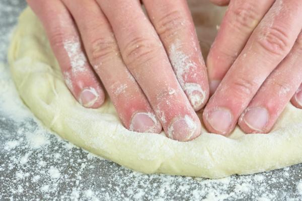 Pizzateig einfach ausrollen